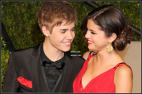 .  Rumeur : Selena Gomez aurait décidé de lâcher Justin Bieber, quelques jours seulement après l'officialisation de leur relation. La jeune femme révélée au grand public grâce à la série Disney «Les Sorciers de Waverly Place», ne supporterait plus d'être visée par les critiques des folles admiratrices de chanteur canadien, lesquelles n'hésitent plus à la menacer de mort sur le réseau « Twitter ». « Je vais te pourrir la vie jusqu'à ce que tu le laisse tranquille ! », écrit l'une d'entre elles. Lassée par cette pression, Selena Gomez aurait décidé de quitter son petit ami.texte par www.pipole.net .