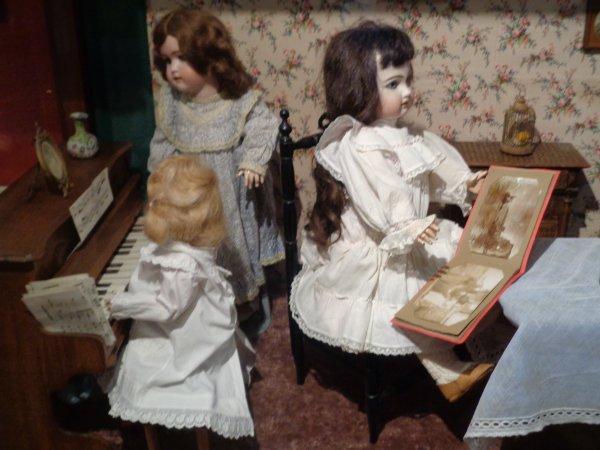 Musée de la poupée a Guérande suite .