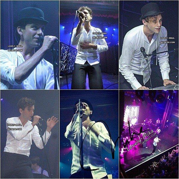 15/10/2102 : La nouvelle tournée de Mika a enfin commencé ! Il jouait hier à New York et voici donc quelques photos et vidéo d'hier soir. Mika a également beaucoup twitté concernant son album qui vient de sortir aux Etats-Unis et qui est déjà 10ème !