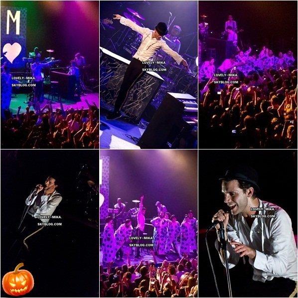 22/10/2012 : Voici des photos et vidéos du deuxième concert de Mika à Los Angeles et son dernier en Amérique.