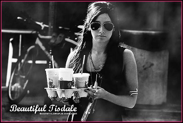 Ne t'ennuie pas , prend un Milk-Shake avec Tisdale , elle est là pour sa!.