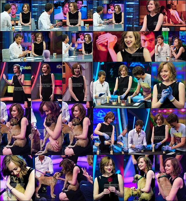 """. 01/07/2015 : Dakota a été dans la célébre émission """"El Hormiguero """" sur Antena 3 en Espagne. ."""