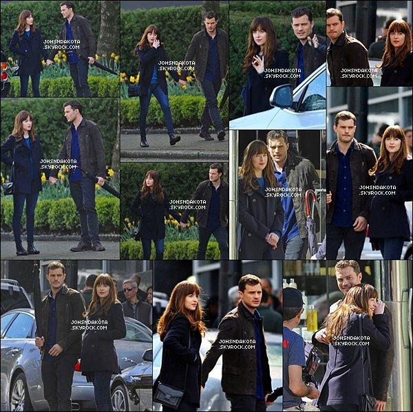 04/04/2016 :Dakota  et Jamie encore une fois sur le set   Fifty Shades Darker à Vancouver, Canada ..  Cela faisait quelques jours que nous n'avions pas eu de nouvelles photos du tournage du deuxième volet de la saga Fifty Shades .
