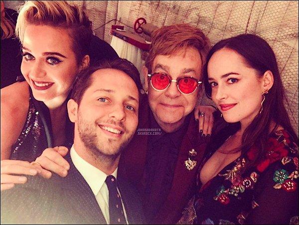 .25/03/17: Dakota  a été vu en quittant l'anniversaire d'Elton John au Château Marmont à Los Angeles -  Lors de la soirée , elle a été vu avec Derek , Katy Perry et d'autres personnes.Côté tenue :  pour la soirée,Dakota portait une tenue de chez Gucci