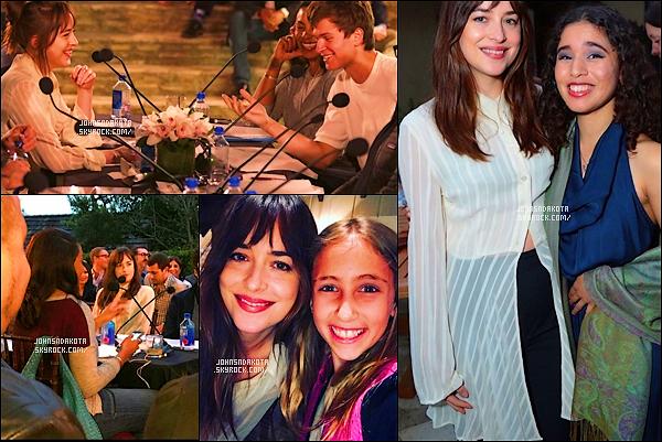 . 09/05/2017 : Dakotaa été aperçu à une séance de lecture de Ghetto Film School à Los Angeles. .