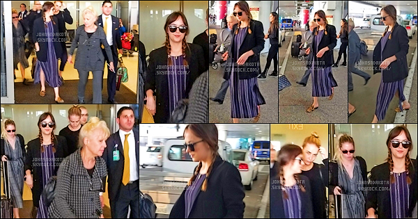 .01/06/17: Dakota a été aperçu en arrivant à l'aéroport de LAX avec ses demi-s½urs à Los Angeles. CA Nos demoiselles sont enfin de retour sur le sol américain , Dakota était très complice avec ses s½urs en Italie . Je n'aime pas trop la tenue de Dakota.