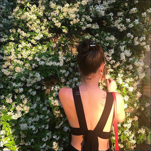 . PICTURE :  Grace Johnson , la demi-s½ur de Dakota a poster une photo d'elle sur son compte instagram .