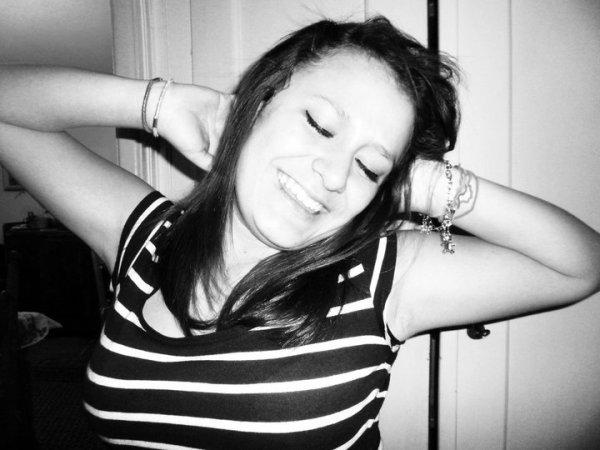 « Lorsqu'on décide de vivre sa vie, on n'a pas grand choix de la prendre comme elle vient, au jour le jour, avec ses joies et ses peines, mais en essayant de toujours garder le sourire à ceux qui donnent un sens à cette vie. »