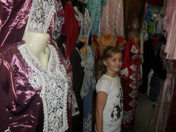 photos of Fabienne and Alexandra in algeria