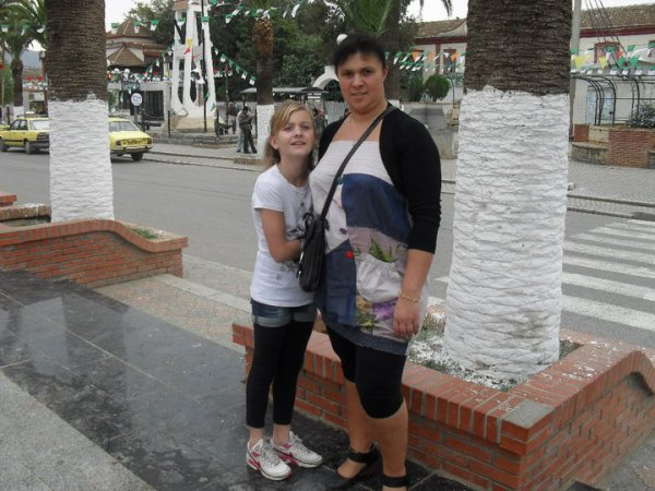photos of Fabienne and Alexandra in algeria