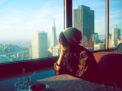 « Ça fait tellement du bien d'aimer les gens qu'on aime que ça finit par faire mal. » L.O.L