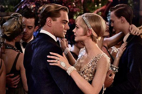« Gatsby looked at Daisy in a way that every young girl wanted to be looked at. » F.Fitzgerald
