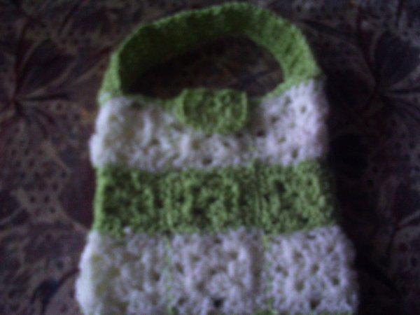 Petit Sac Vert Et Blanc Ouvrage Au Crochet Facile
