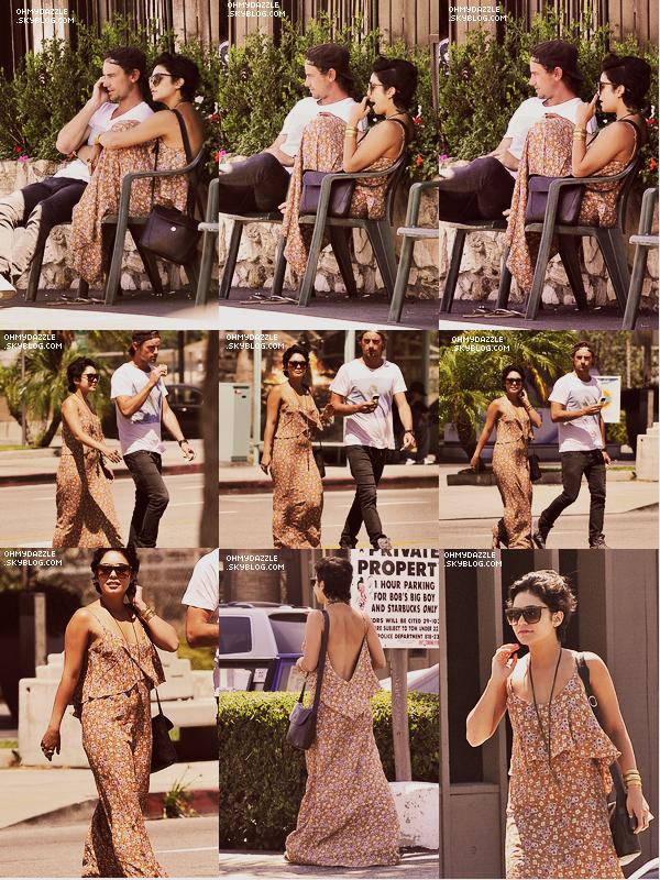 Vanessa est allée mangé avec un ami à Los Angeles. Après le déjeuner elle est allée à un festival. Top ou Flop ? Mais qui est donc ce ben inconnu dont est accompagnée Vanessa ? Dans tous les cas, ils sont si mignons.