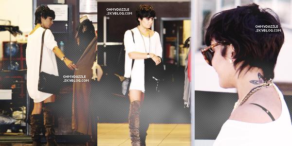 22/08/2011 - Vanessa a été photographiée allant déjeuner à Studio City en Californie.____ Top ou Flop ? Pour moi c'est un gros TOP. J'adore comment elle est habillé, et je suis entièrement fan des ses lunettes !