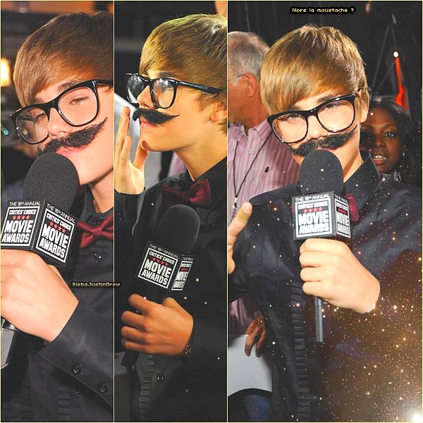 14/01/11 - Justin s'est fait passer pour un journaliste au Critics Choice Movie Awards.