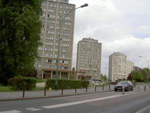 Villeneuve St Georges (94190)         Quartier Val Saint Georges   H B M  700 LOGEMENTS  .  TOURS    1224   HABITANTS