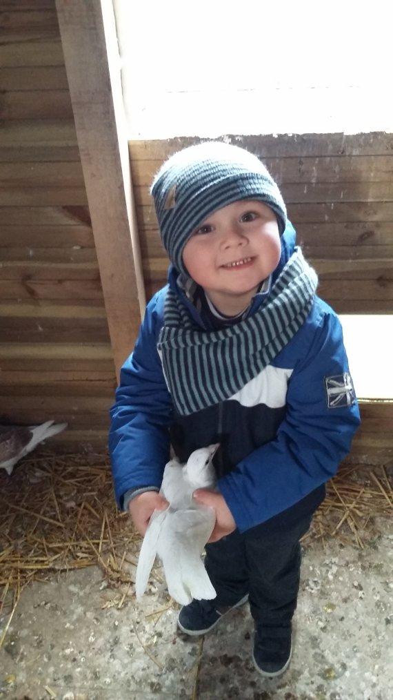 Nolan mon fils de 3ans avec blanchette
