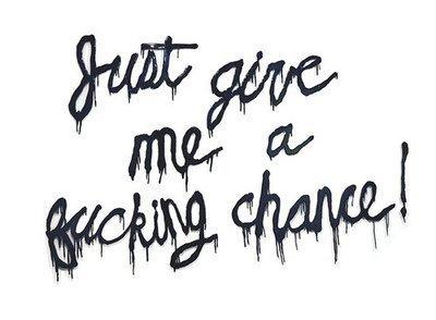 Il faudrait comprendre que les choses sont sans espoir et pourtant se décider à les changer.♥