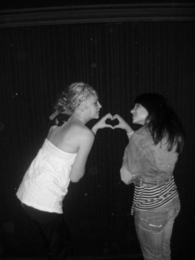 Parce que les gens dirons que c'est juste une amitié ...♥