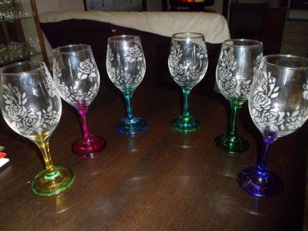 gravure d'un service de 6 verres, thème roses