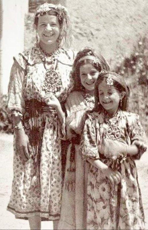 La Kabylie d'autrefois Sourire innocent malgré les conditions extrêmes❤❤❤