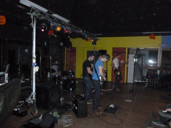Groupe de rock présent lors de la soirée Halloween