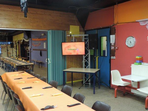 Installation pour le souper, Soirée Karaoké pour Halloween à l'EFCF de Spy 24/10/2014