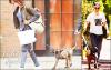 - Robert se réfugie chez son amie Reese Witherspoon et se dispute la garde de Bear (leur chien) avec Kristen ! - Le magazine «People» a révélé mercredi que Robert, l'ex petit ami (non confirmé) de Kristen, s'est réfugié en Californie dans la maison de l'actrice Reese Witherspoon, son amie. La jolie blonde de 36 ans, mariée depuis 2011 et enceinte de son troisième enfant, a été la partenaire à l'écran de Robert Pattinson dans «De l'eau pour les éléphants» en 2011.  Selon un proche, le jeune homme serait «dans un état lamentable» et «remettrait tout en question». Il aurait en tout cas émis le souhait de s'entretenir avec Liberty Ross, la femme de Rupert Sanders, pour avoir son ressenti sur ce qui s'est passé entre son mari et l'héroïne de Twilight, rapporte le Daily Mail. La mère des deux enfants du réalisateur s'est elle aussi murée dans le silence, mais semble prête à passer l'éponge. « Elle est prête à donner une seconde chance à Rupert », a confié une source au site Mandrake. « Elle accepte le fait que ça ait été un flirt sans conséquence ».  Au lendemain de l'annonce publique de l'infidélité de Kristen Stewart, l'acteur britannique avait quitté leur maison de Los Angeles. Un camion de déménagement avait été aperçu par des paparazzis devant le domicile. Depuis, le couple ne s'adresse plus la parole, si ce n'est pour se disputer la garde de leur chien, Bear, qu'il considère comme leur enfant ! Robert aurait déclaré que Bear lui permettrait de se remettre petit a petit de cette histoire et donc qu'il veut que celui-ci soit uniquement a sa charge ! Mais Kristen ne l'entend pas de cette oreille et souhaite avoir une garde alterné du petit prince (Bear) ! - Que penses-tu de l'histoire pour la garde de Bear? Le/L'ex couple en fait-il de trop?________________________________________________source : leparisien.fr -