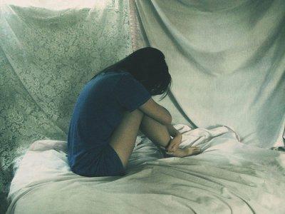 Écorchée vive, je comprend rien au bonheur. De toute façon j'ai toujours finis en pleure.
