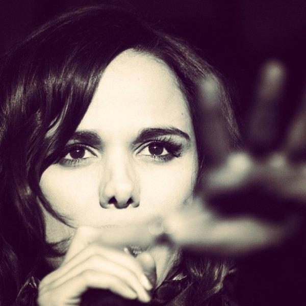 2013 March 1 - Découvrez le look de Melissa Mars lors de son Showcase à Moscou