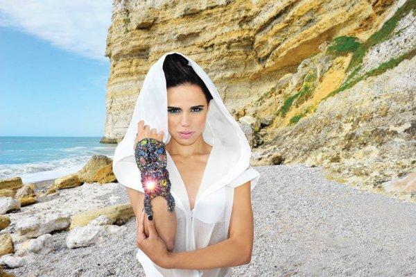"""2013 July 12 - Melissa Mars dans le numéro d'été """"Vigore Magazine"""""""