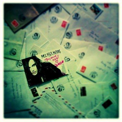 2012 Dec 27 - Si vous attendiez un courrier de Melissa Mars.... À vos boîtes aux lettres !