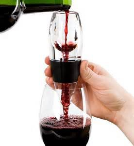 Wine Aerator Pourer Basics: Understanding the Function of Wine Aerator Pourer