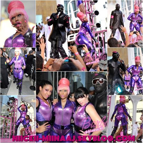 "NICKI MINAJ . SHOW -  "" Check It Out  ""  "" MTV Video Music Awards "" 2010"