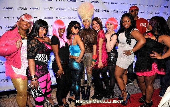 Nicki Minaj  dans Times Square pour Casio |  Puis Nicki à la Launch Party de Casio.