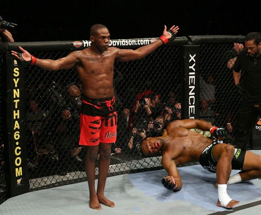 PROCHAIN UFC 21 AVRIL 2012 JON JONES VS RASHA EVANS