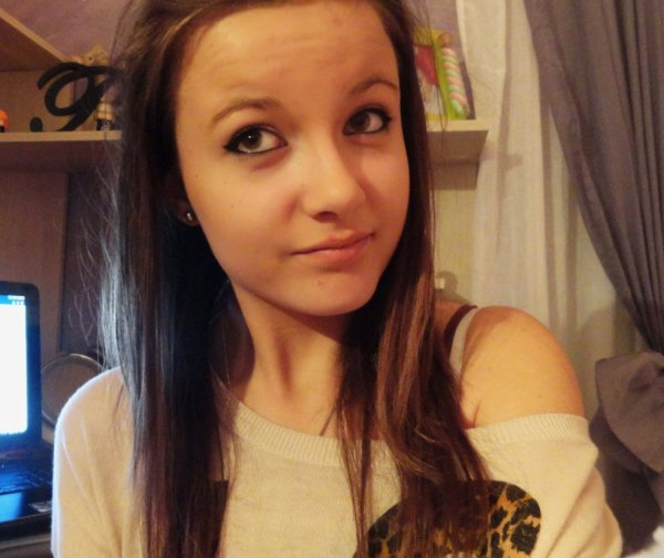 Une petite photo de moi.. Des avis ? :$