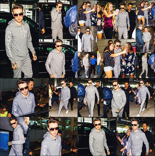 -   27/06/2017   ▬ Liam Payne a été photographié arrivant à l'aéroport international de Philadelphie - PHL. Plus -Il n'y a eu que très peu de photos pour cet apparition rapide de Liam, mais les voici! Top pour moi.  Tu aimes? Top ou flop?    -