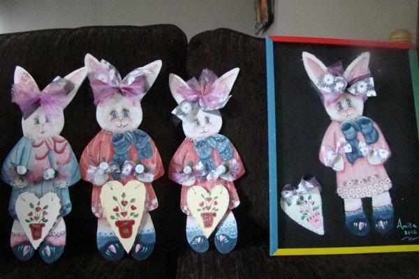 mes lapins fait au chantournage par mon chum et peint par moi avec le patron de CRÉATION NICOLE