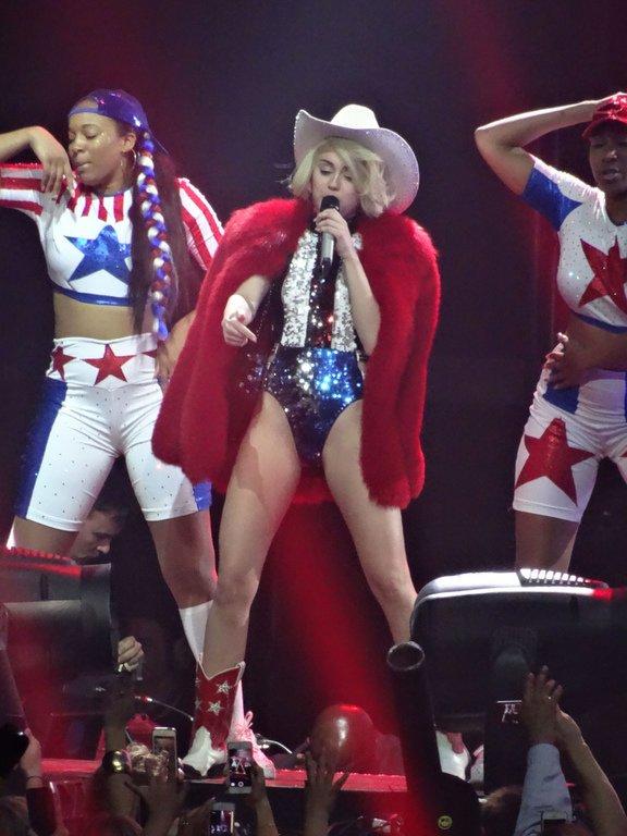 Miley Cyrus & Her Dead Petz : Notre critique de l'album