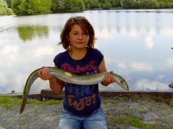 session reussi pour ma 72 h du 15 aout avec ma fille meryl au domaine de pimprez comme toujour avec 2 esturgeons un de 21 kg 000 et un de 9 kg 3 carpe une de 16 kg une de 13 kg un de 9 kg 1 anguille de 800 gr et une breme de 2 kg et ue decroche