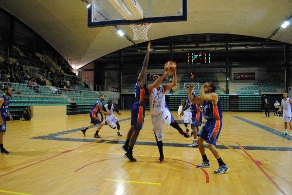 -BALL - 1re journée de Nationale 1 Le FC Mulhouse se débarrasse d'Angers BC49 70-62
