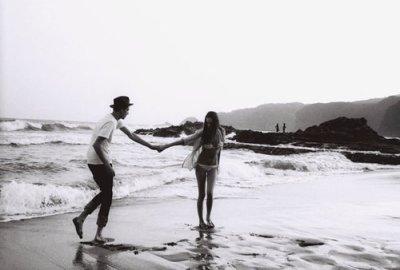 J'ai essaye de continuer sans toi ,je n'ai jamais réussi j'attendrais le temps qu'il faudra ...