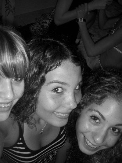 fête de nico'           trois filles ke j'aDoReUh!! ♥ ♥ ♥