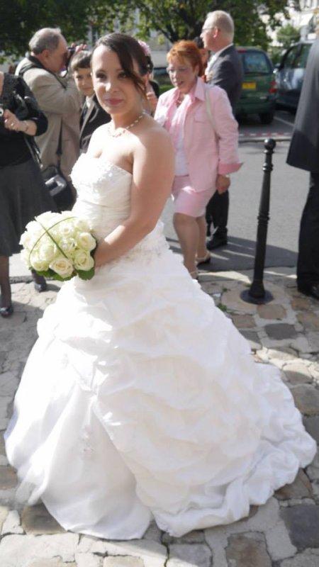 mes soeur est leur photo de mariage ( sauf celle ki est voiler j arrive pas a avoir les photo)
