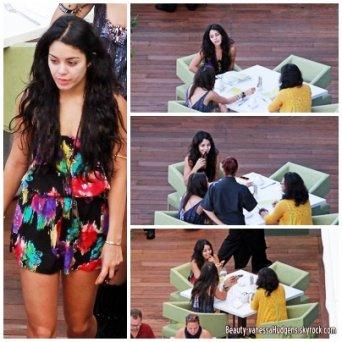 15.10.10. Nessa, Sa soeur Stella et sa maman Gina prennent un petit-dejeuner a Hawaï.(nessa à l'air fatiguée)
