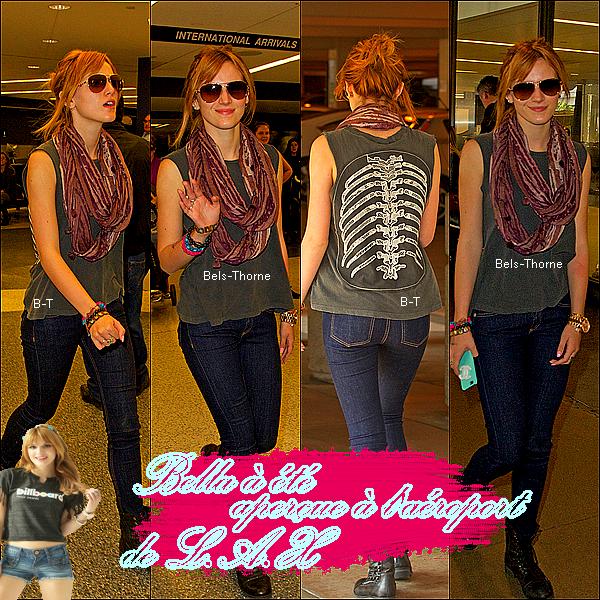 12/11/12 Bella à été aperçue à l'aéroport de L.A.X. (flashback)