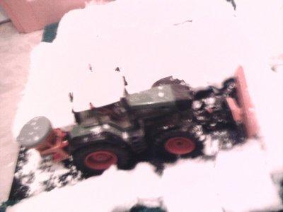 Dio miniature au 1/32ème: déneigement avec un fendt 930!!!