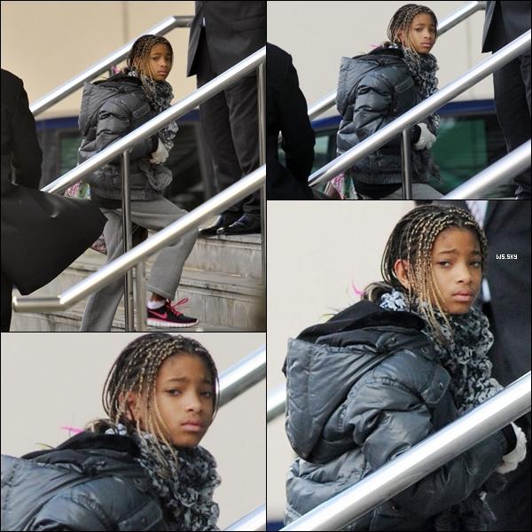 . 10 Mars 2011 :   Willow Smith de retour en Anglerre arrivant dans son hôtel à Manchester. .